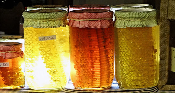 Miel en frascos