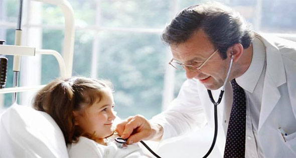 medico feliz