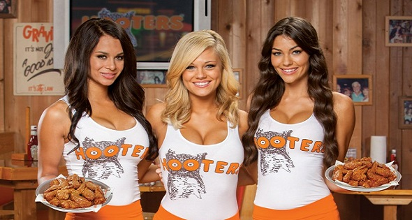 chica hooters