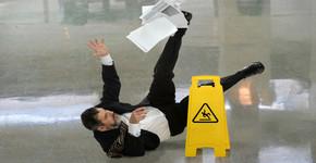 Las caídas más graciosas en la oficina
